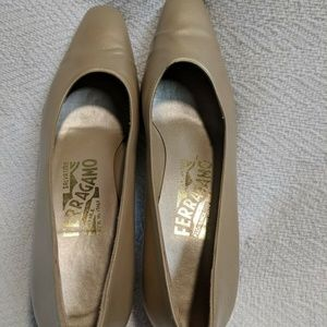 Salvatore Ferragamo Florence Heel Pump Shoes 6 4A